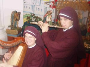 Sr. Maria Stella and Sr. Catherine Marie, two members of the order of Sisters in Jesus the Lord, who are now living in the Russian Far East.